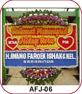 Cointoh rangkaian bunga papan pernikahan. Rp400.000 0125436bdc