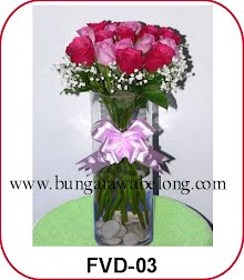 bunga valentine dalam vas