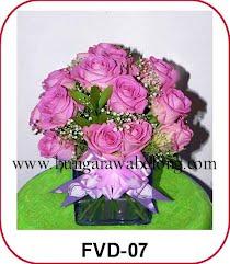 bunga mawar pink bentuk hati