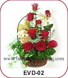 bunga valentine keranjang dan boneka